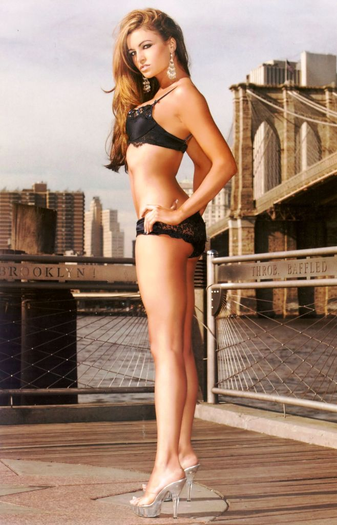 Wwe Diva Maria Kanellis Spreads In Playboy
