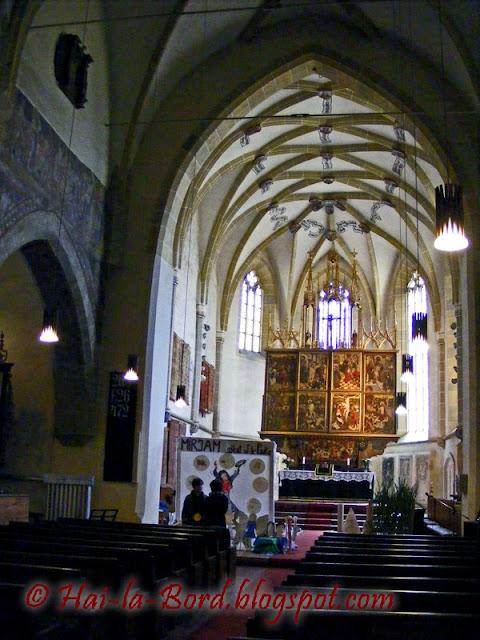 altar biserica sfanta margareta medias