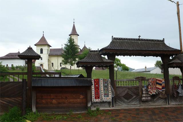 Iglesia cercana al Monasterio de Humor