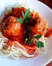Olasz húsgolyók paradicsomszószban
