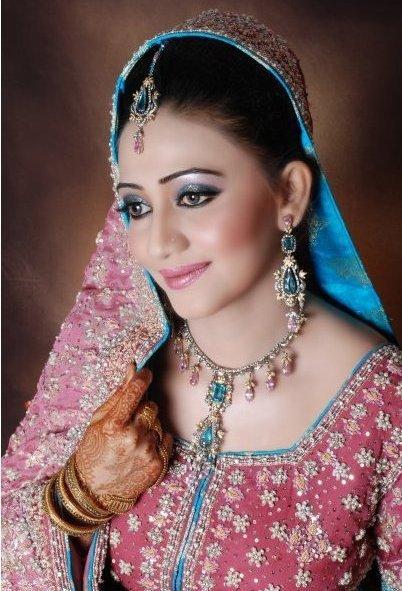 Pakistani Bridal Makeup Collection 201112 New Bridal Makeup Collection
