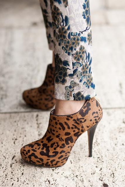 shoes, fashion, mixing patterns, floral pants