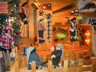 Hunt Club Christmas Displays