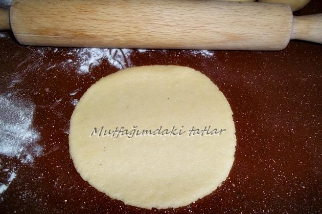Rulo çörek yemek tahinli ve kuruyemişli rulo kakaolu rulo muzlu
