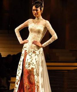 Desain Baju Pernikahan Motif Batik putih