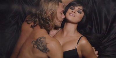 "Vazam nudes de  Christopher Mason, modelo ""Hands to Myself"""