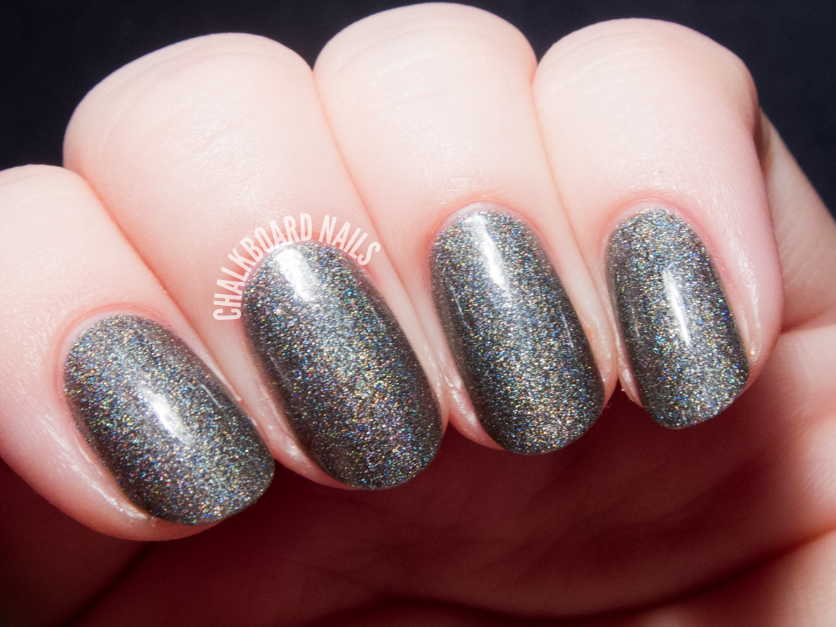 Serum No. 5 Sleepy Holo via @chalkboardnails