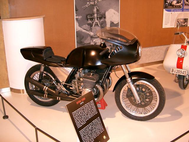 Obra de la família Batlló, feta al seu garatge, va corre les 24 Hores Motociclistes de Montjuïch en 1971 i 1972, on la vaig veure personalment.