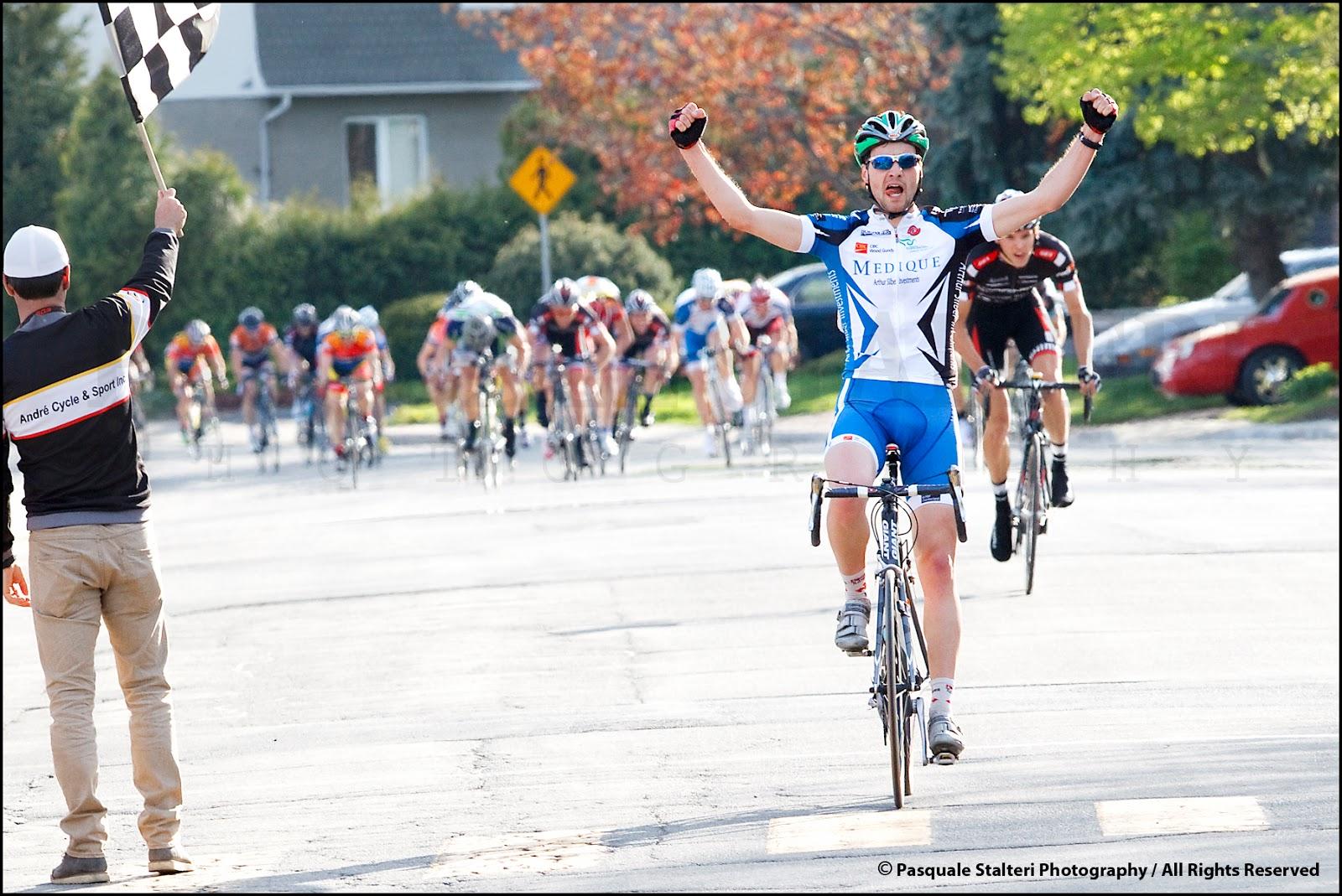 http://4.bp.blogspot.com/-xY2bgOTGdHc/T6cFRT4OSnI/AAAAAAAAN8Y/nh17ALDGnS8/s1600/Miroir+du+Cyclisme_Nicolas+Ammerlaan_Pasquale+Stalteri_GP+de+Brossard_PAS3334.jpg