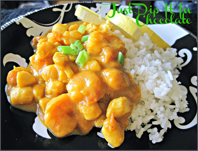 Pumpkin Shrimp and Scallop Curry Recipe. Because there is so much to pumpkins than pie! This savory dish rich in flavors and textures is the perfect comfort food for Fall cold days! Warm yourself up from the inside out with this colorful and delicious dish, #comfortfood #Fall #curry