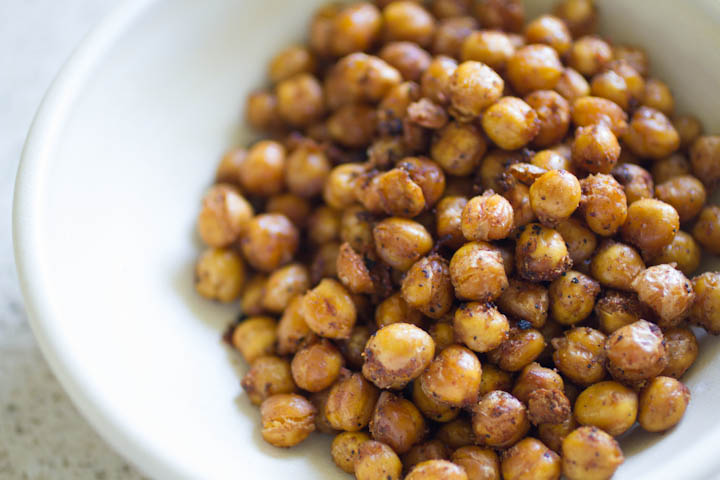 twenty-two pleasant: spicy oven-roasted chickpeas