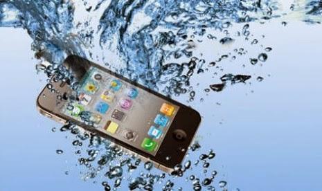 Tips Mengatasi Gadget Yang Tercebur Air