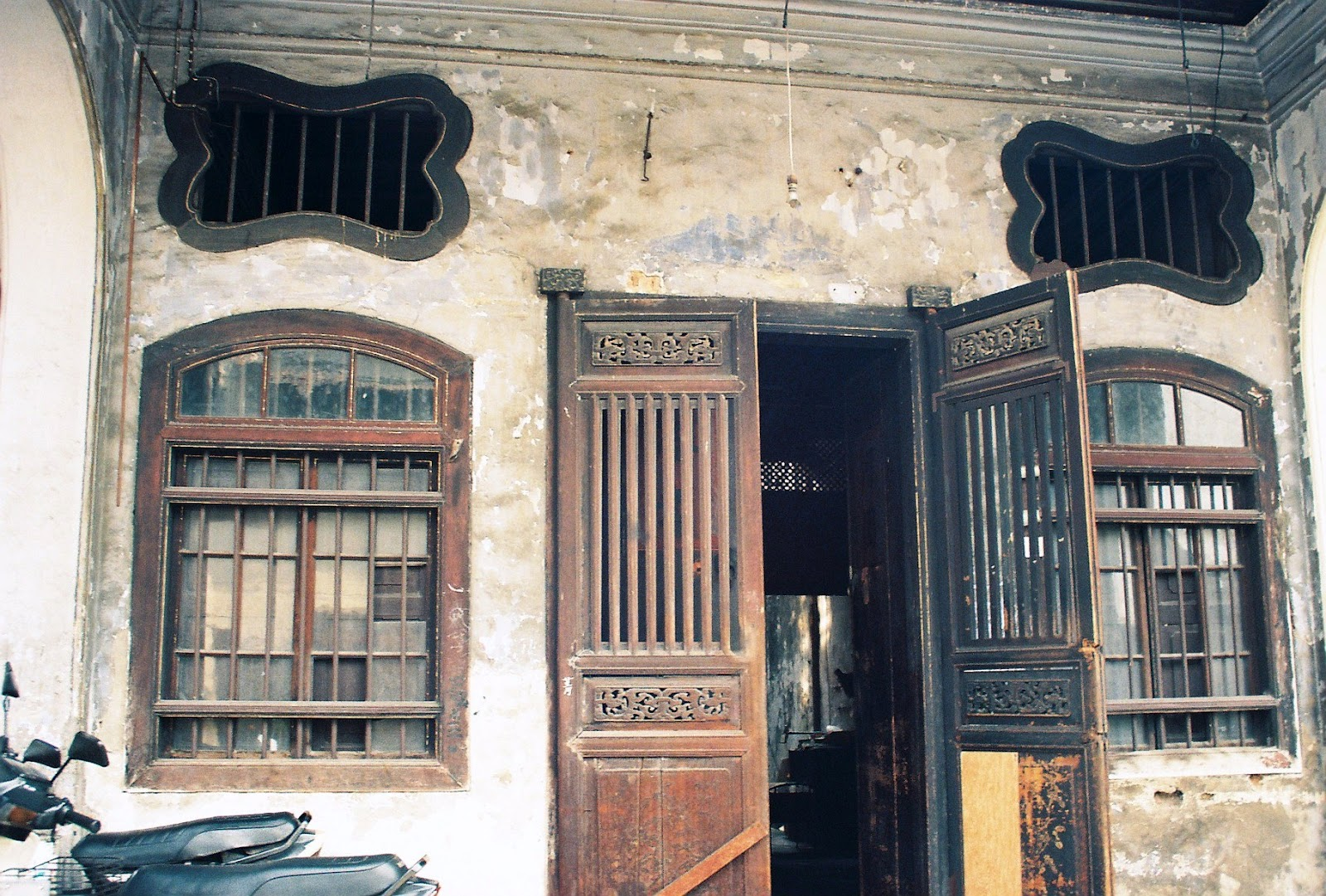 Blast from the past old chinese shophouse in penang for Classic house kl
