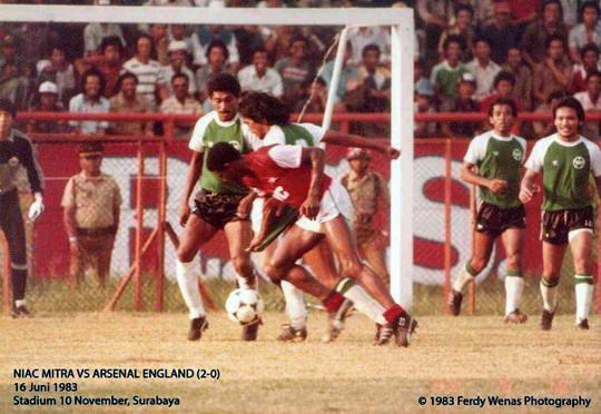 40251156066578486314818 Sejarah Manis Sepakbola Indonesia, Klub Lokal Mengalahkan Arsenal 2 0