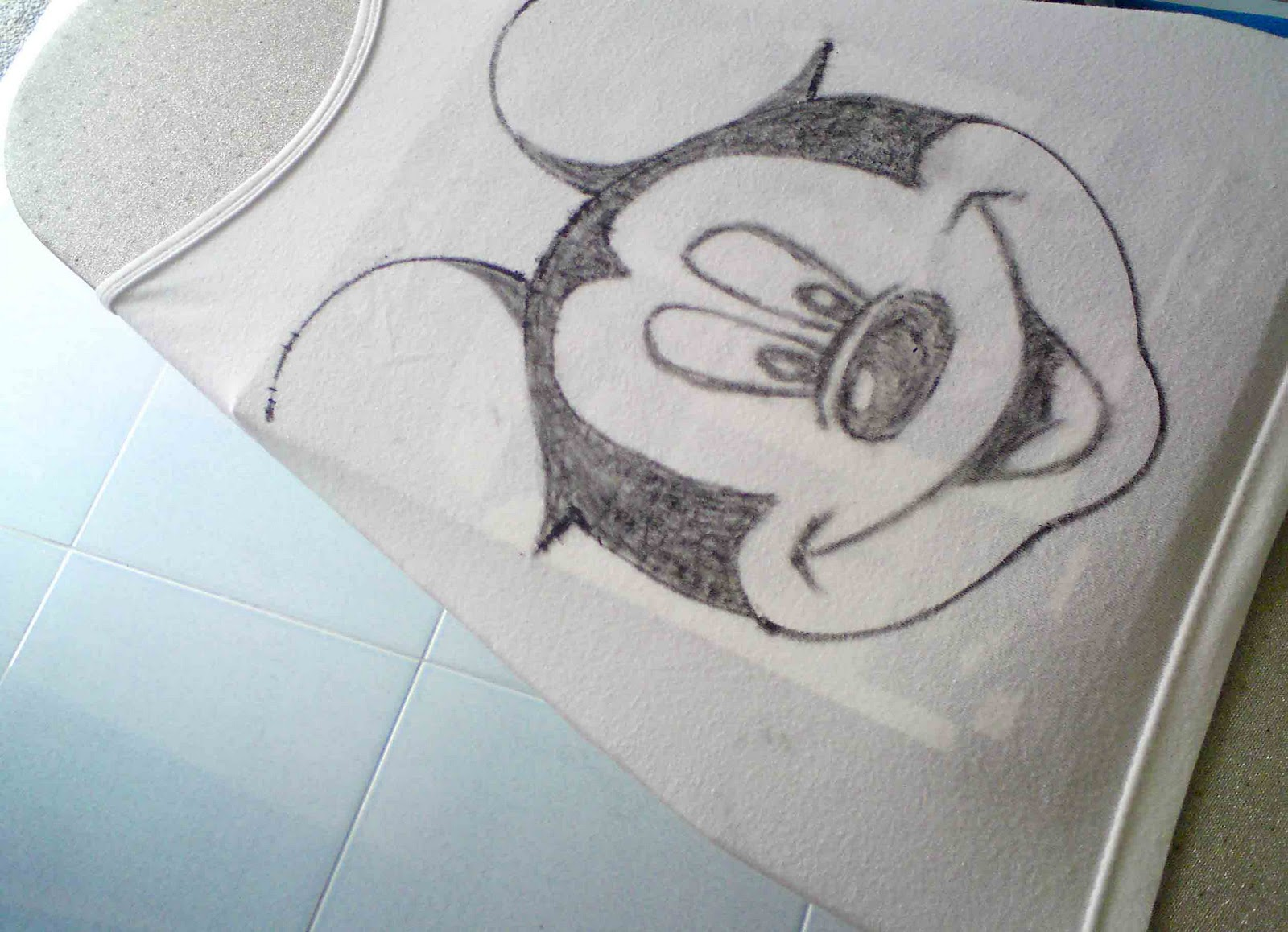 The gallery for cool drawings on lined paper for Cool designs on paper