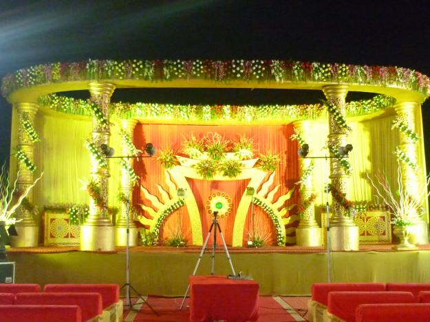 Zebdek wedding planner november 2011 the actual wedding ceremony and ritual occurs on the wedding stage thus it is utterly important to decorate the stage properly the families of the bride junglespirit Image collections