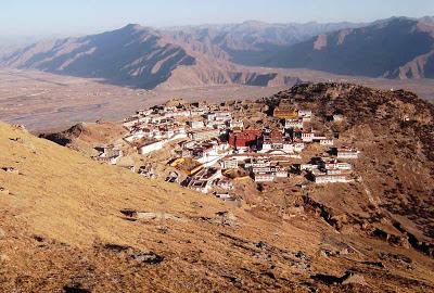 Monastério Ganden – Tibete