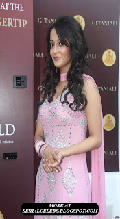 Raima Sen in Pink Chudidar