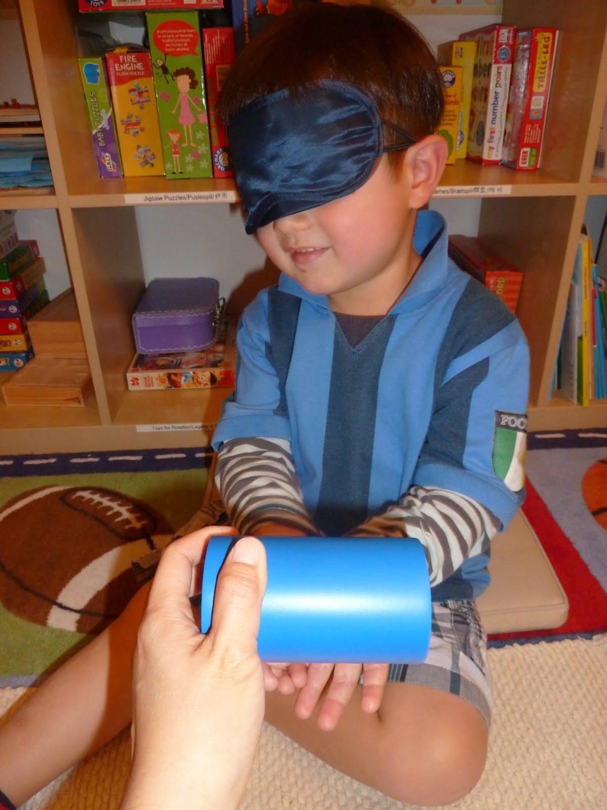 deviation montessori Les observations de maria montessori l'ont conduite à définir deux caractéristiques psychiques de l'enfant qu'elle appelle « l'esprit absorbant » et les « périodes sensibles .