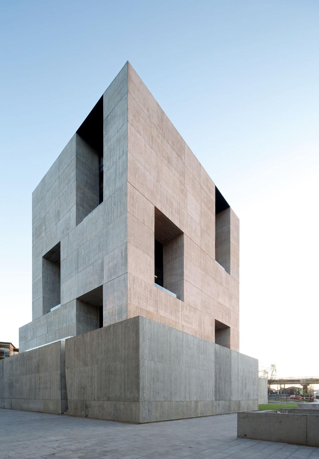 alejandro aravena elemental a f a s i a. Black Bedroom Furniture Sets. Home Design Ideas