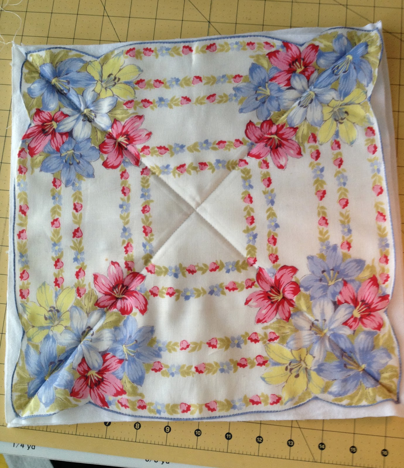 ZeedleBeez: How to make a Handkerchief Rag Quilt : handkerchief quilts instructions - Adamdwight.com