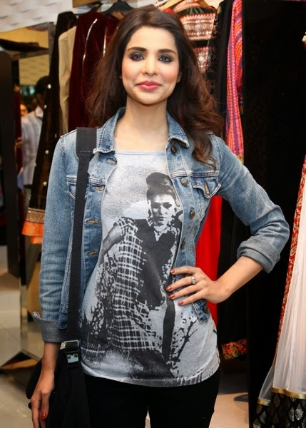 Sana Sarfaraz Latest pics