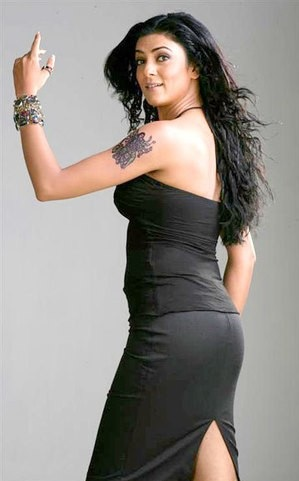 Long Legged Babe Sushmita Sen in Black Dresses, Top Bollywood Actress 2012