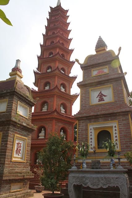 This stupa is built on 11 floors with a height of 15m at Tran Quoc Pagoda in Hanoi, Vietnam
