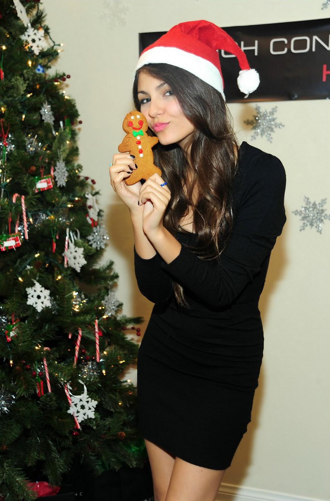Victoria Justice Hot Pictures 1