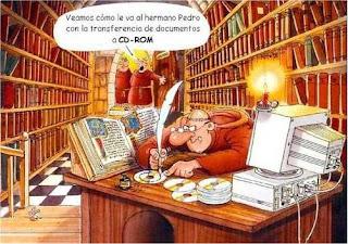 Chiste gráfico: los monjes transfiriendo los documentos a cd rom