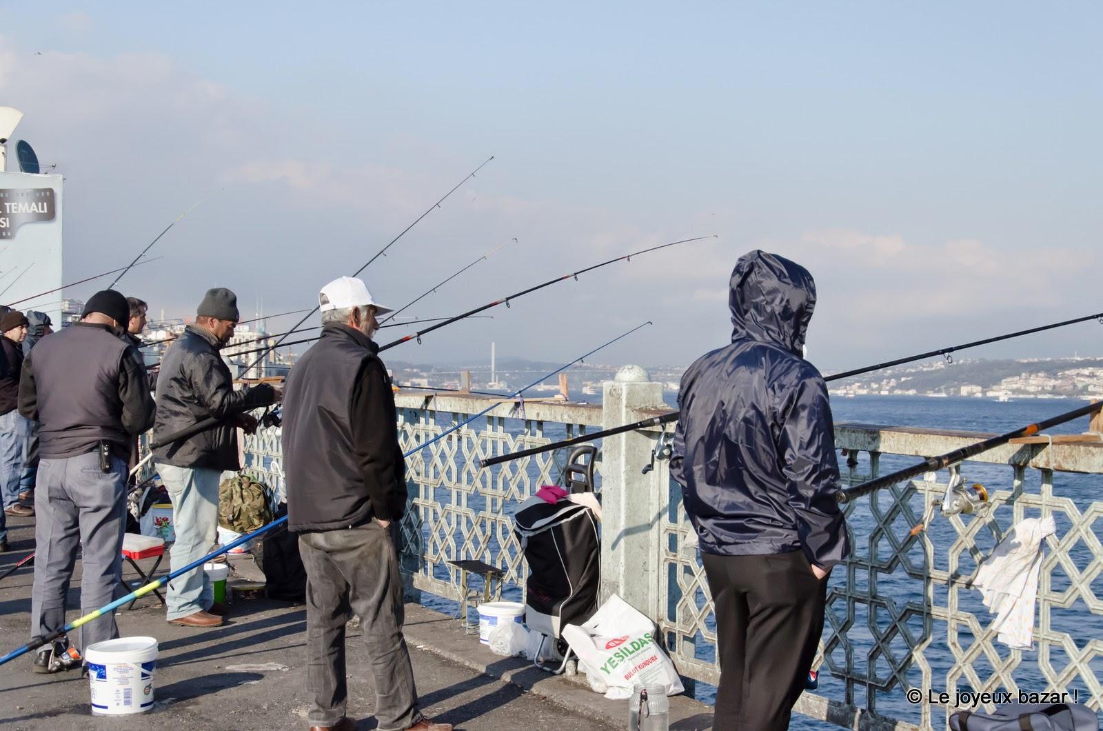 Istanbul - Pont de Galata et ses pêcheurs