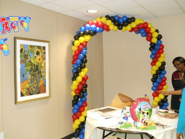 How to make a balloon arch and balloon columns celebrate for 1st birthday balloon decoration ideas