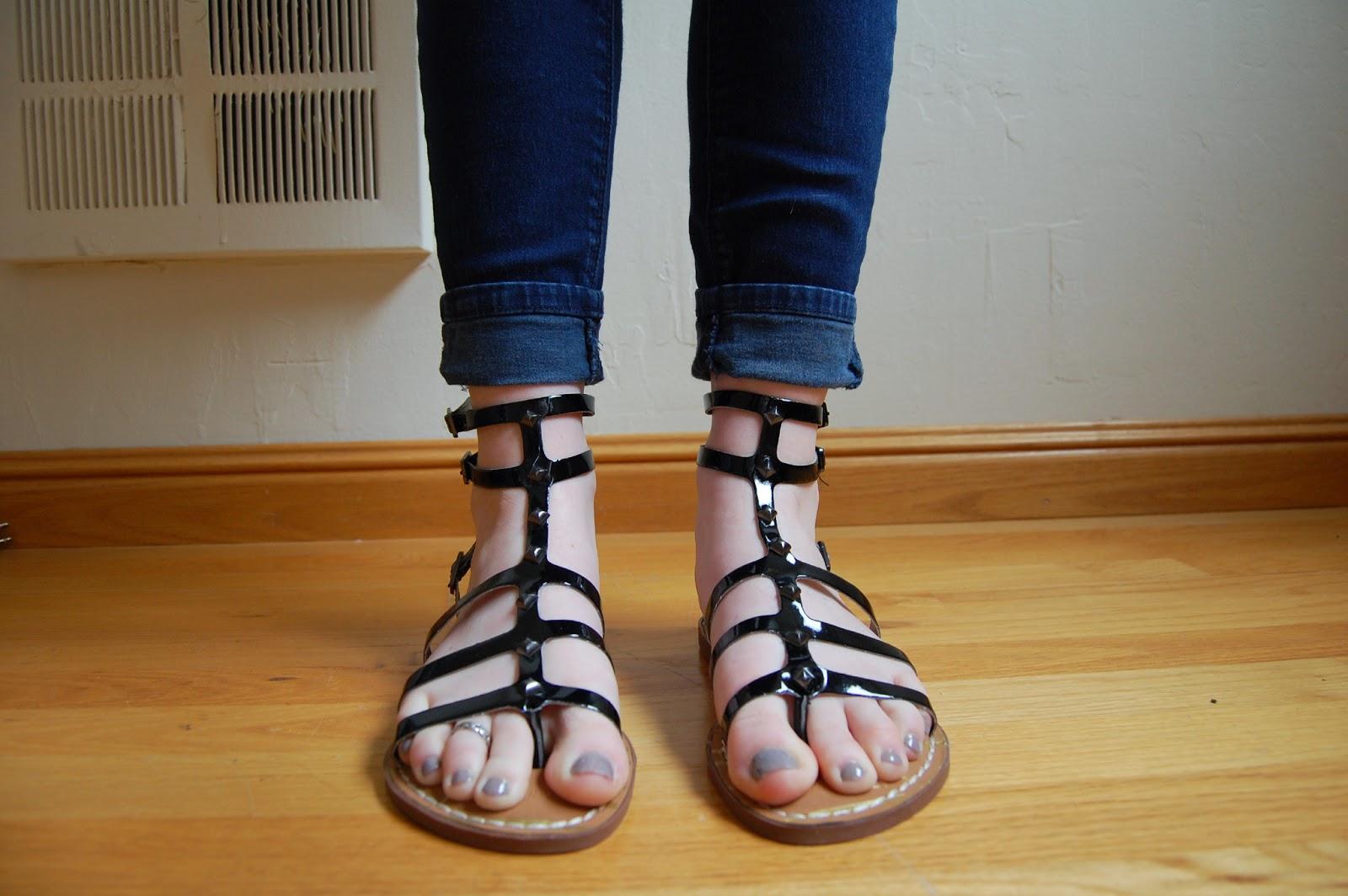 Chelsea Wears Sam Amp Libby Keira Tall Gladiator Sandal