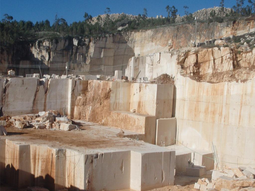 Lo esencial de la civilizaci n desplomada como punto de for Imagenes de piedras de marmol