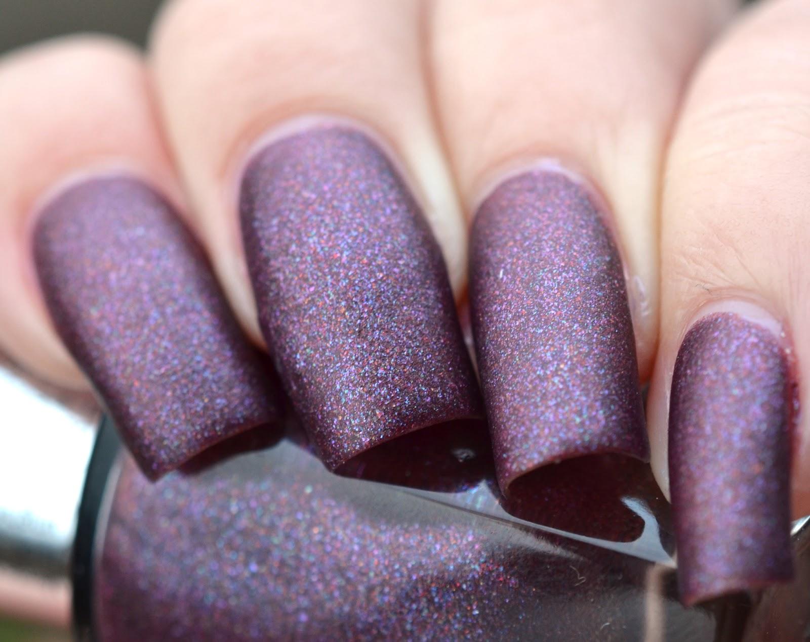 http://lenas-sofa.blogspot.de/2014/11/beyu-metallic-silk-nail-lacquer-977.html
