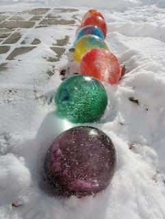 Зимние развлечения и декор для двора