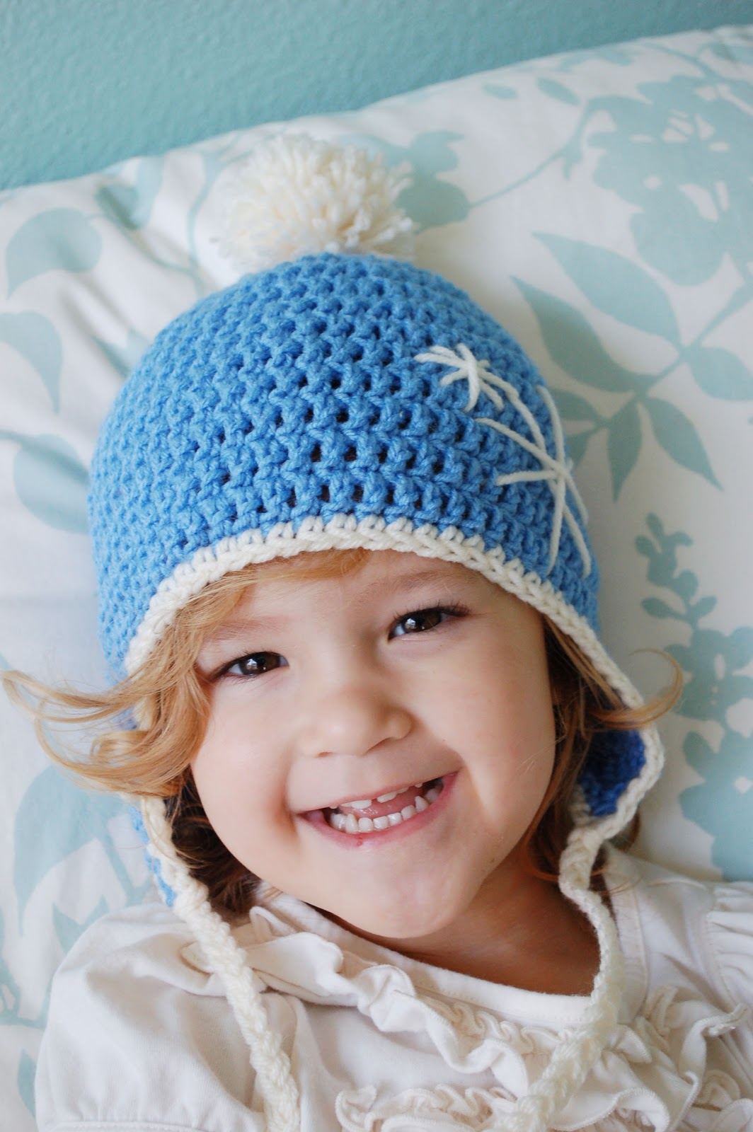 Free Crochet Pattern Earflap Beanie : Alli Crafts: Free Pattern: Earflap Hat - Toddler