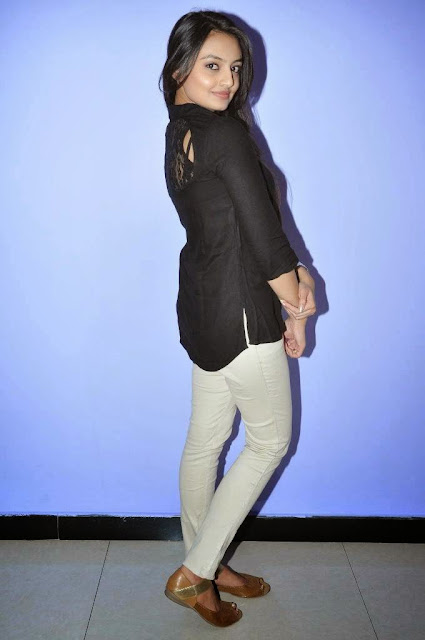 Actress Nikitha Narayan Picture Gallery in White Jeans at Ladies and Gentlemen Movie Preview Show 6.JPG