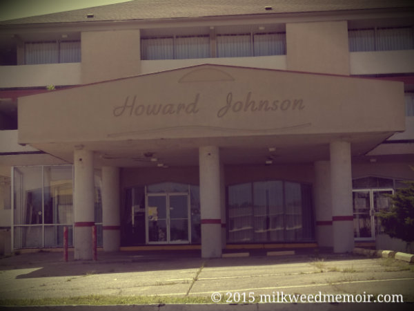 Howard Johnson hotel front, disheveled, Hot Springs, Arkansas