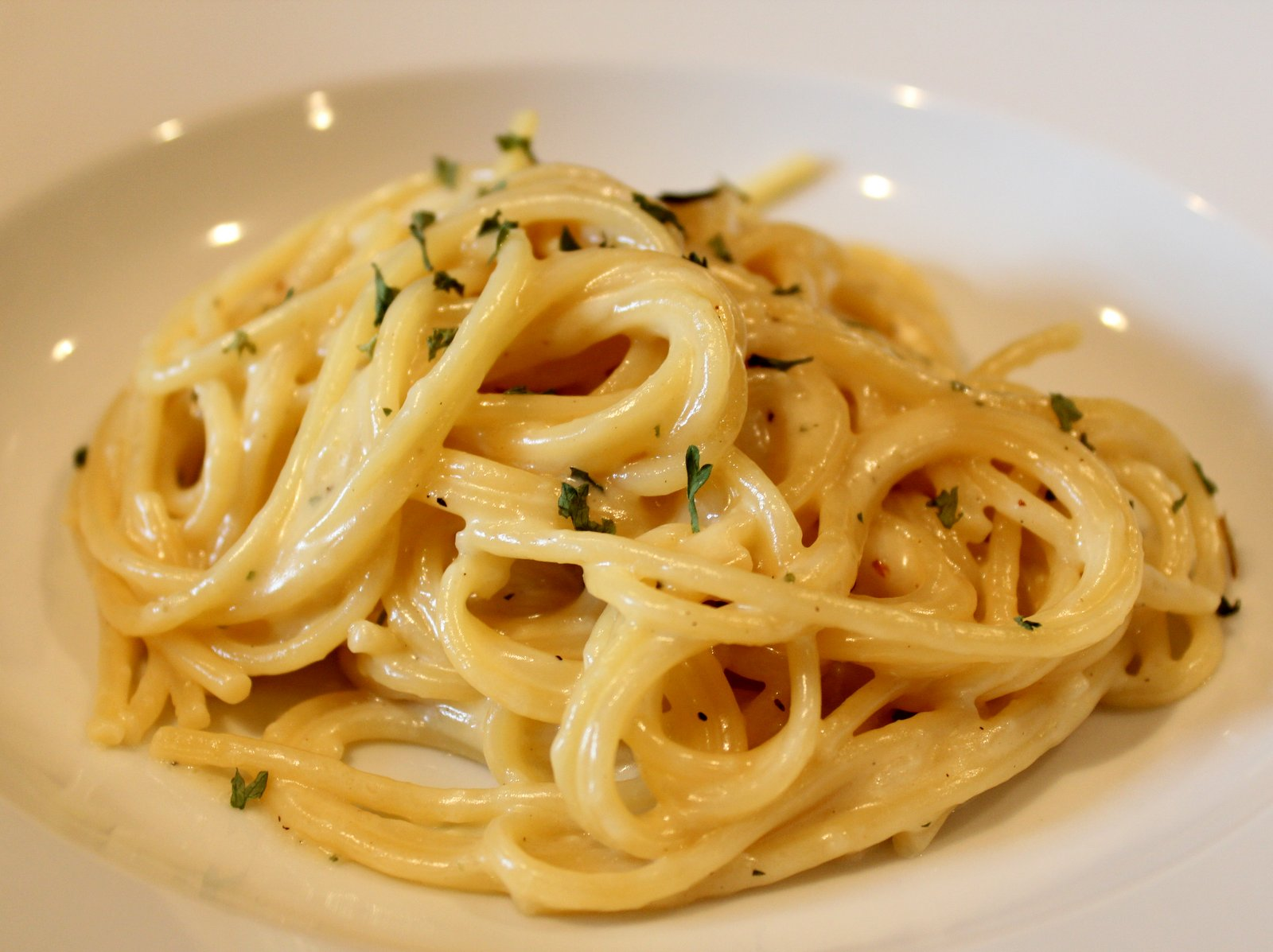 Dinner Delish: Creamy Garlic Pasta