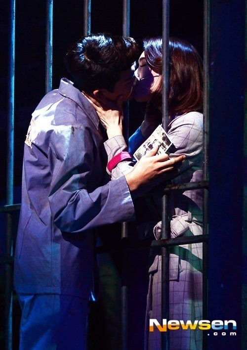 ZE:A's Park Hyungsik & Kahi's kiss, 11-year age gap doesn't matter