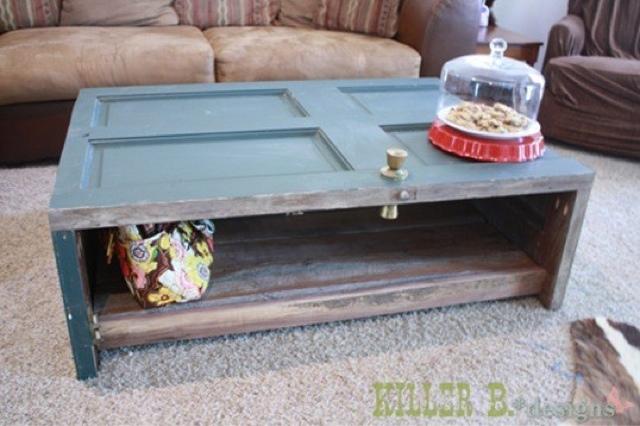 20 ideias de como reciclar portas velhas for Old door into coffee table