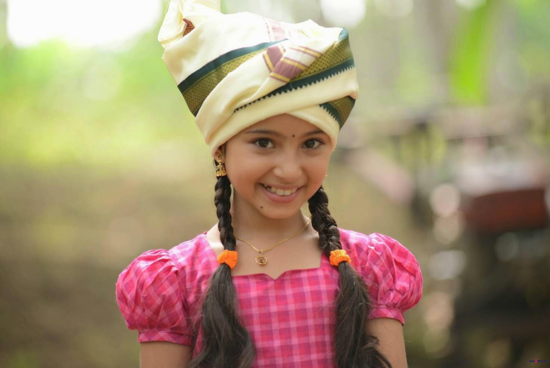 actress baby sara arjun latest cute photos gallery from dagudumutha