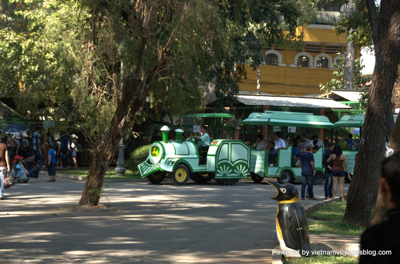 Tham quan Thảo Cầm Viên ở Sài Gòn