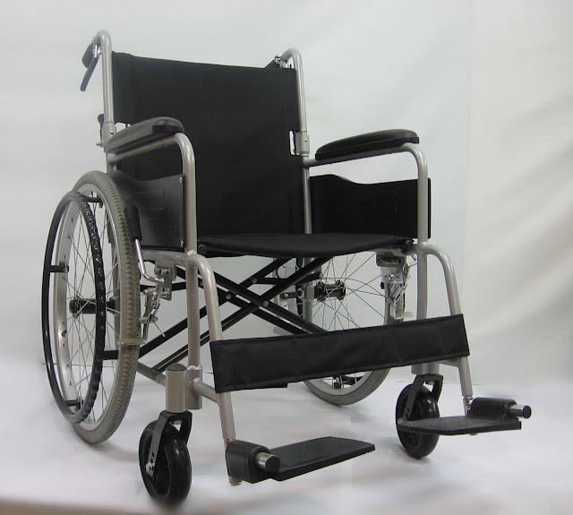Kerusi roda ringan roda senang ditanggalkan 快拆轮子轻型轮椅 Quick release lightweight wheelchair