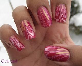 ukrasavanje noktiju - roze water marble nokti 001