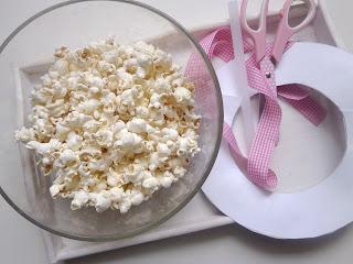Wianek z popcornu wersja II  i podaj dalej!