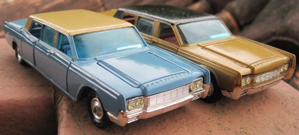 miniatura lincoln continental da corgi toys. Black Bedroom Furniture Sets. Home Design Ideas