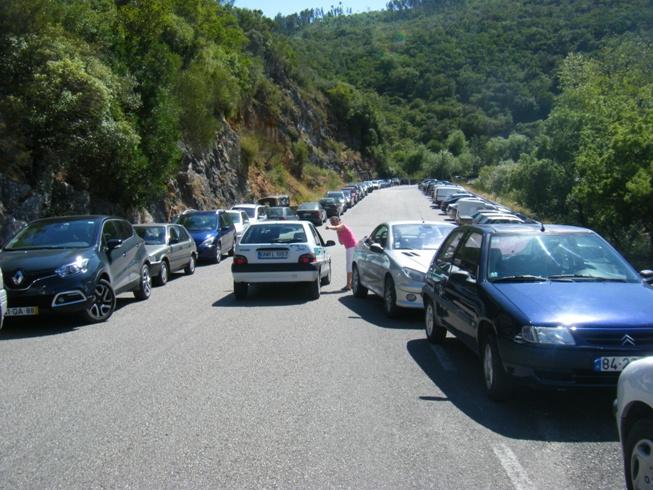 Parque de estacionamento lotado