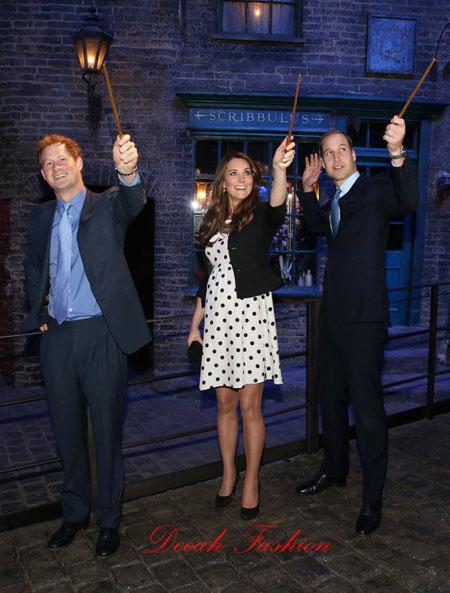 Busana Duchess Kate Middleton Harry Potter Museum